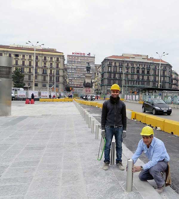 paletti di delimitazione Arcotech a piazza Garibaldi di Napoli