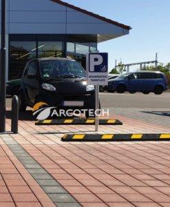 Fermaruote in giallo nero aiuto parcheggio